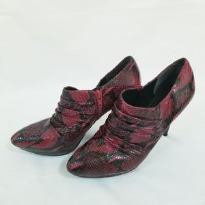 Nine West Snake Skin Ankle Boot Red 8 M